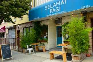 Selamat Pagi's two outdoor tables are wonderful places to enjoy a delicious Indonesian dinner.
