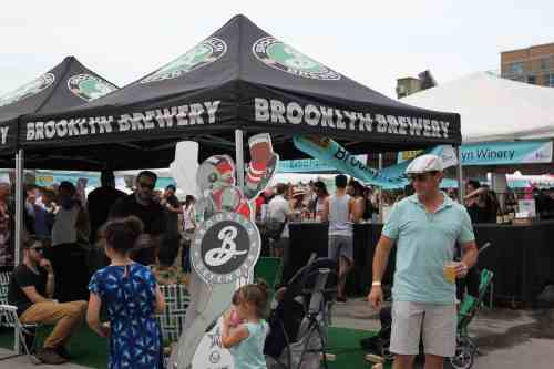 Brooklyn Brewery offered cornhole & giant Jenga for between bites. Image: Julia Moak