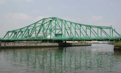 The Grand St. Bridge