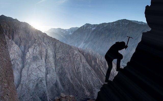 Mountaineering Pickaxe Climber