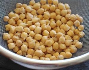 Homemade Chickpea (Garbanzo) Sprouts