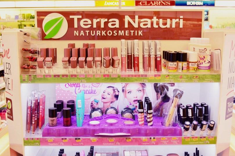 Terra Naturi dekorative Naturkosmetik Theke
