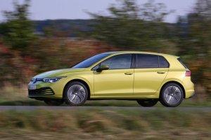 Правильный ДВС гибрид газ-бензин от Volkswagen - новый Golf 8 TGI
