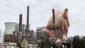 Германия взрывает электростанции
