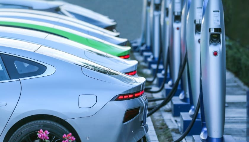 Сеть зарядных станций XPeng для владельцев электромобилей XPeng