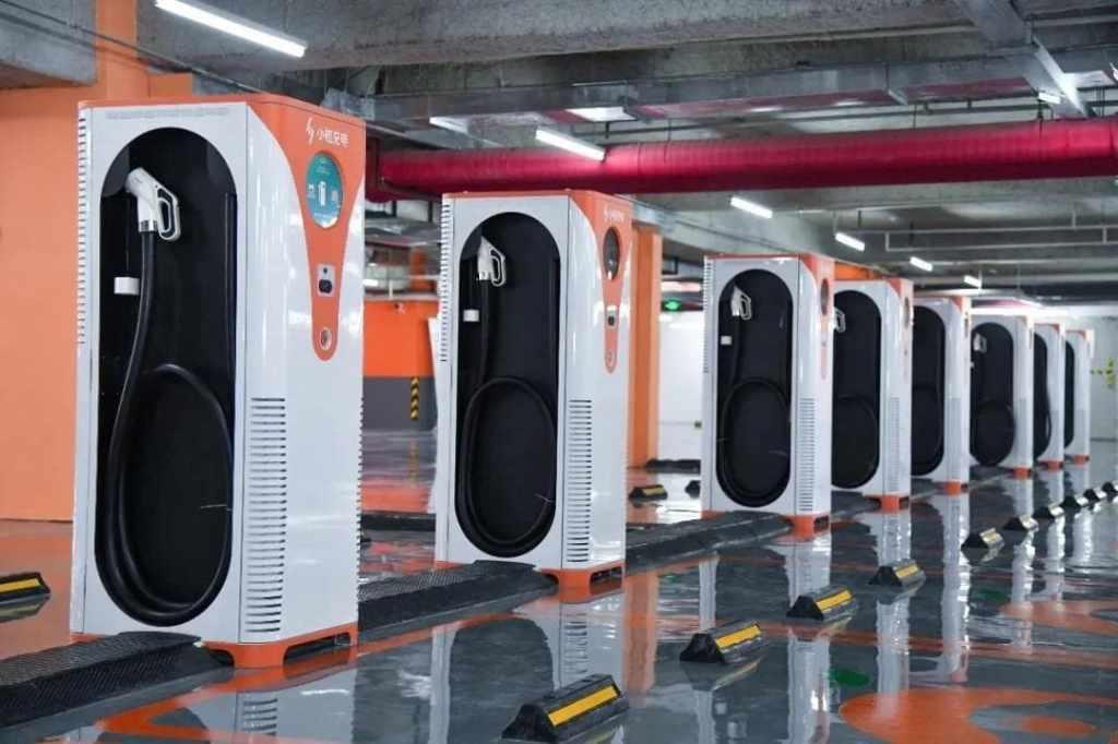 Ещё один пример обустройства паркингов в Китае зарядными станциями