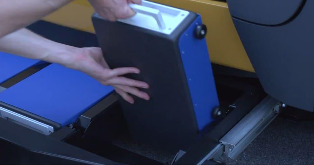 слоты для сменных аккумуляторов в CITY eTAXI