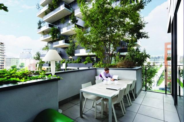 As fachadas vivas melhoram o conforto térmico no interior dos apartamentos, além de criar uma atmosfera agradável aos moradores. (Fonte: Archdaily).
