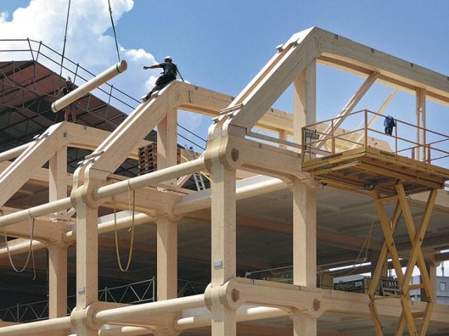 Construção do edifício com as peças pré-fabricadas. (Fonte: Home Teka).