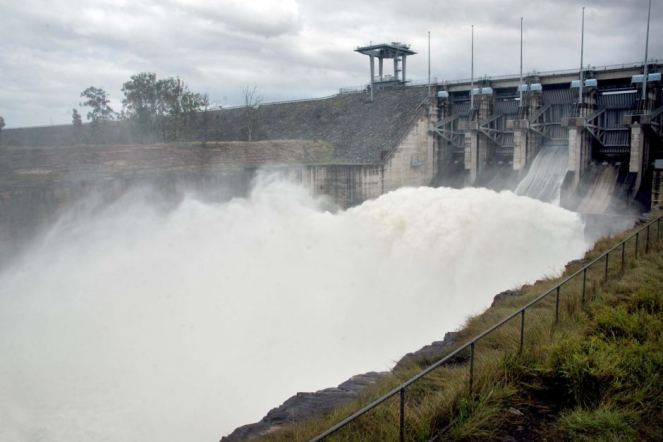 How dams in Australia cause floods and destroy environment