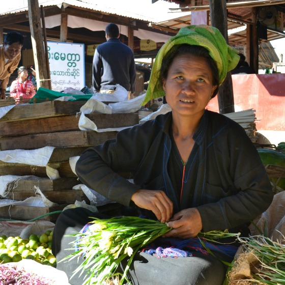 green onions at the inle lake market