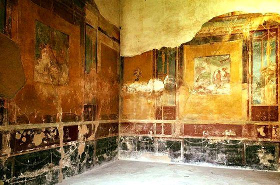italy-amalfi-coast-pompeii-greenwithrenvy