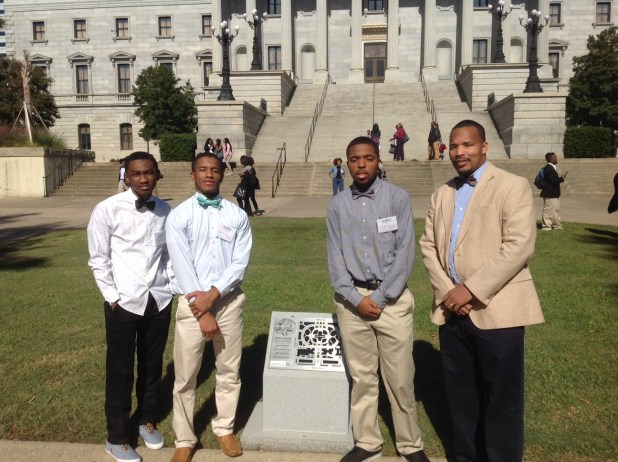 EMACH and GEMS Members Participate in Annual Youth Leadership Conference at the Statehouse