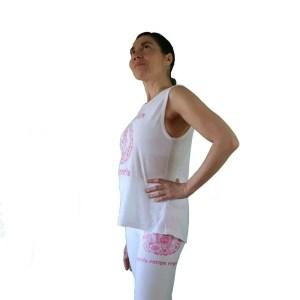 camiseta antes yoga que sencilla blanca y fuscia 4