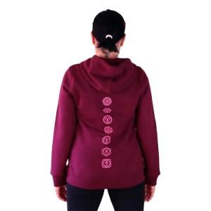 sudadera organica con capucha trust yoga con chacras en la espalda
