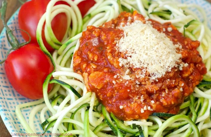Vegane Lieblings Tofu-Bolgnese à la Sherry - www.greenysherry.com