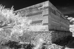 Mitla, Friezes on the northeast corner of the Column Group (Grupo de las Columnas)