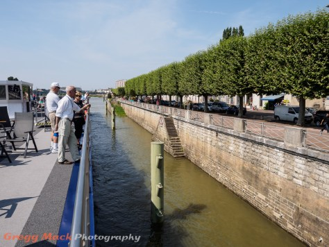Cruising on the Saone, into the town of Chalon-sur-Saône