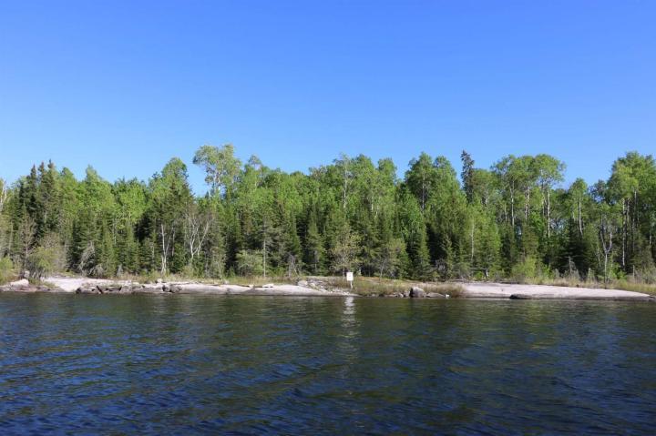 Location S818 Gun Lake, minaki, Ontario