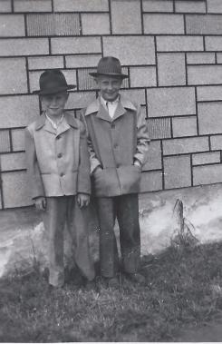 Larry and brother Lee.