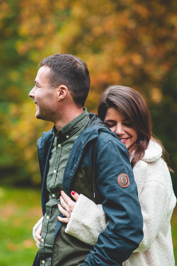 Photographe Famille Vendée couple souriant enlacés