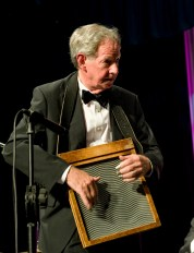 Lawrie Thompson washboard. Greg Poppleton and the Bakelite Broadcasters Photo: MOBILE NO. 0425292809 EMAIL: michael@hennos.com