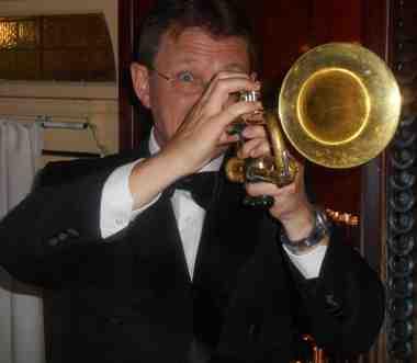Geoff Power, trumpet, Greg Poppleton and the Bakelite Broadcasters