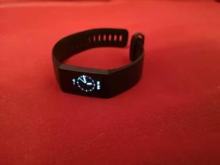 Fitbit Charge 3. Alltid på armen.