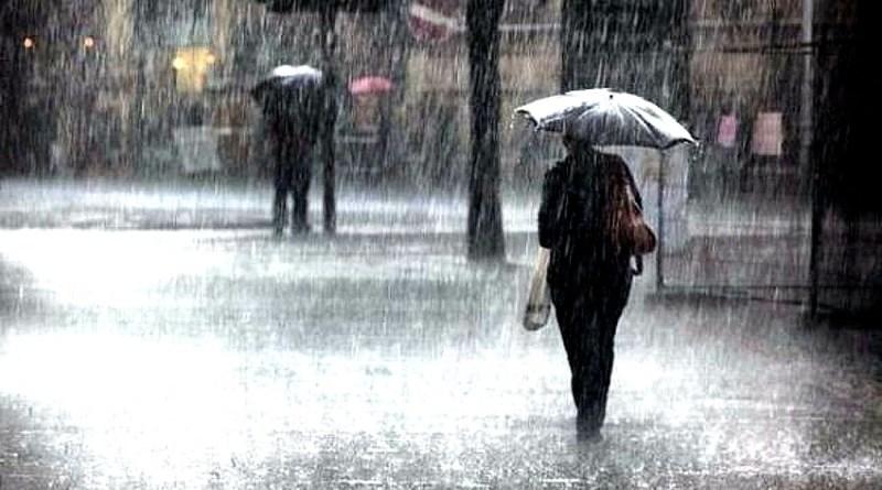 Regnet vräker ner i Grekland. Foto: John Göransson.