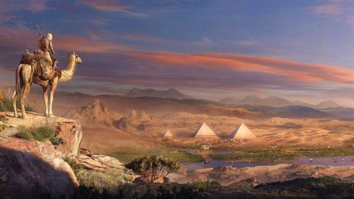 Bayek en camello, mirando hacia Giza