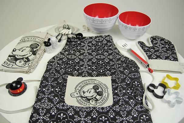 Giveaway: Walt Disney World Home Dining Kit