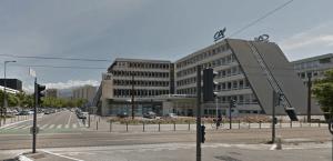 la municipalité anti banques a acquis le siège du Crédit Agricole pour 8 M€ afin d'y installer le CCAS qui était à Villeneuve et regrouper des services.