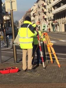 E.Piolle (Verts/PG) fait prendre les mesures avenue Agutte Sembat pour fermer la dernière possibilité d'entrée dans Grenoble