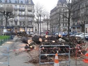 La municipalité Piolle (Verts/PG) n'a pas fait de détail: elle veut fermer la place Victor Hugo à l'accès stationnement
