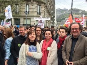 quelques jours avant il soutenait les manifestants avec les membres de sa municipalité ( P.Mériaux,E.Martin, C.Bernard, A.Confesson...) : ils sont disqualifiés