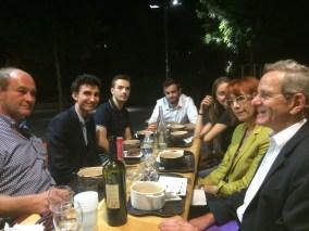 Alain Carignon quartier de Bonne avec des jeunes qui ont contesté les conditions du vote