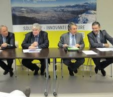 Jean Vaylet en conférence de presse un mois avant les municipales en soutien de la politique du PS avec Marc Baïetto, M.Destot et J.Safar