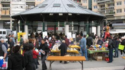 La municipalité Carignon a installé la superbe halle du marché de la Villeneuve