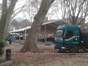 le Jardin de ville est la propriété privée des Verts: E.Piolle avait fait installer à grands frais et forts mouvements de camions un chapiteau pour la réunion de Cécile Duflot ( photo GLC)