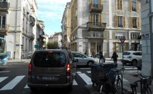 rue Lesdiguières « une nouvelle façon de vivre la ville pour les enfants et leurs familles » (E. Piolle)