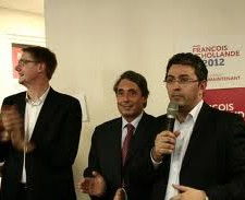 Olivier Noblecourt à gauche ( qui regarde ailleurs quand J.Safar parle, avec M.Destot: il a participé à la paupérisation de Grenoble, il est donc très bien placé pour parler de la pauvreté