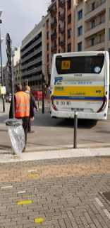 Le passage d'un bus au carrefour Hoche/Sembat