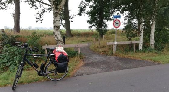 Bij het nieuwe fietspad over de grens