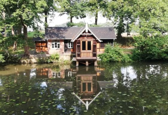Het huis aan het kanaal bij het Zöllnerhaus