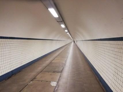 In de Sint Anna-tunnel onder de Schelde door