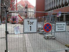 An Tor 1 wird gebaut. Noch nicht im Bild: Tor 2 (Sobiech)
