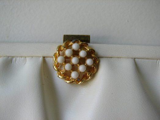 white clutch (1)