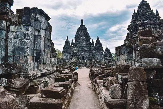 Borobudur Sunrise Prambanan Tour Full Day Yogyakarta Temples Tour