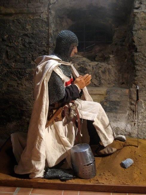 kneel-templar