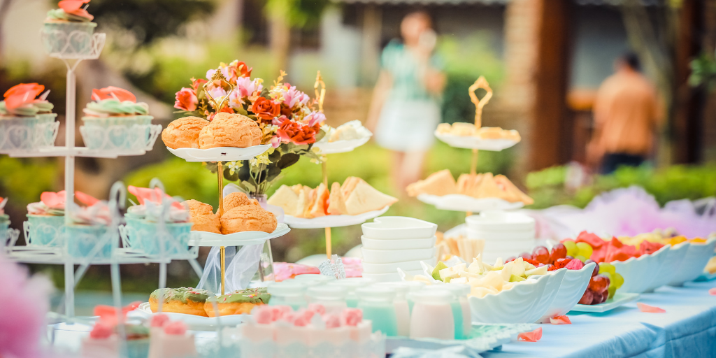 couples wedding shower tips and tricks